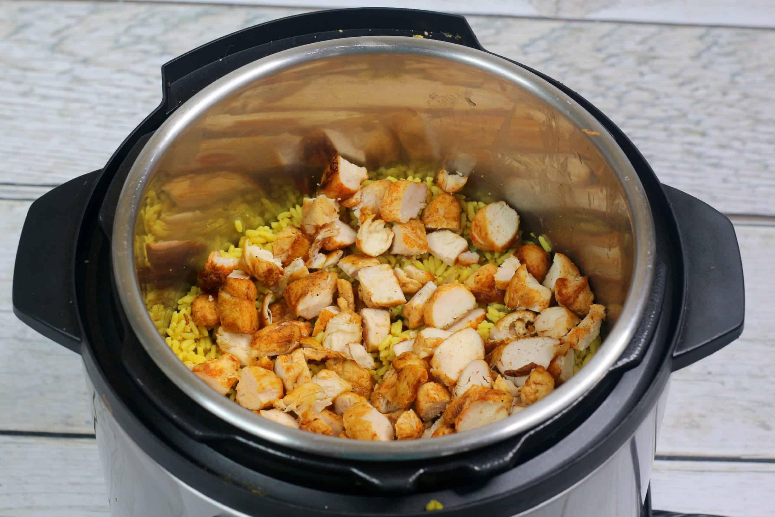 Arroz Con Pollo in Instant Pot.
