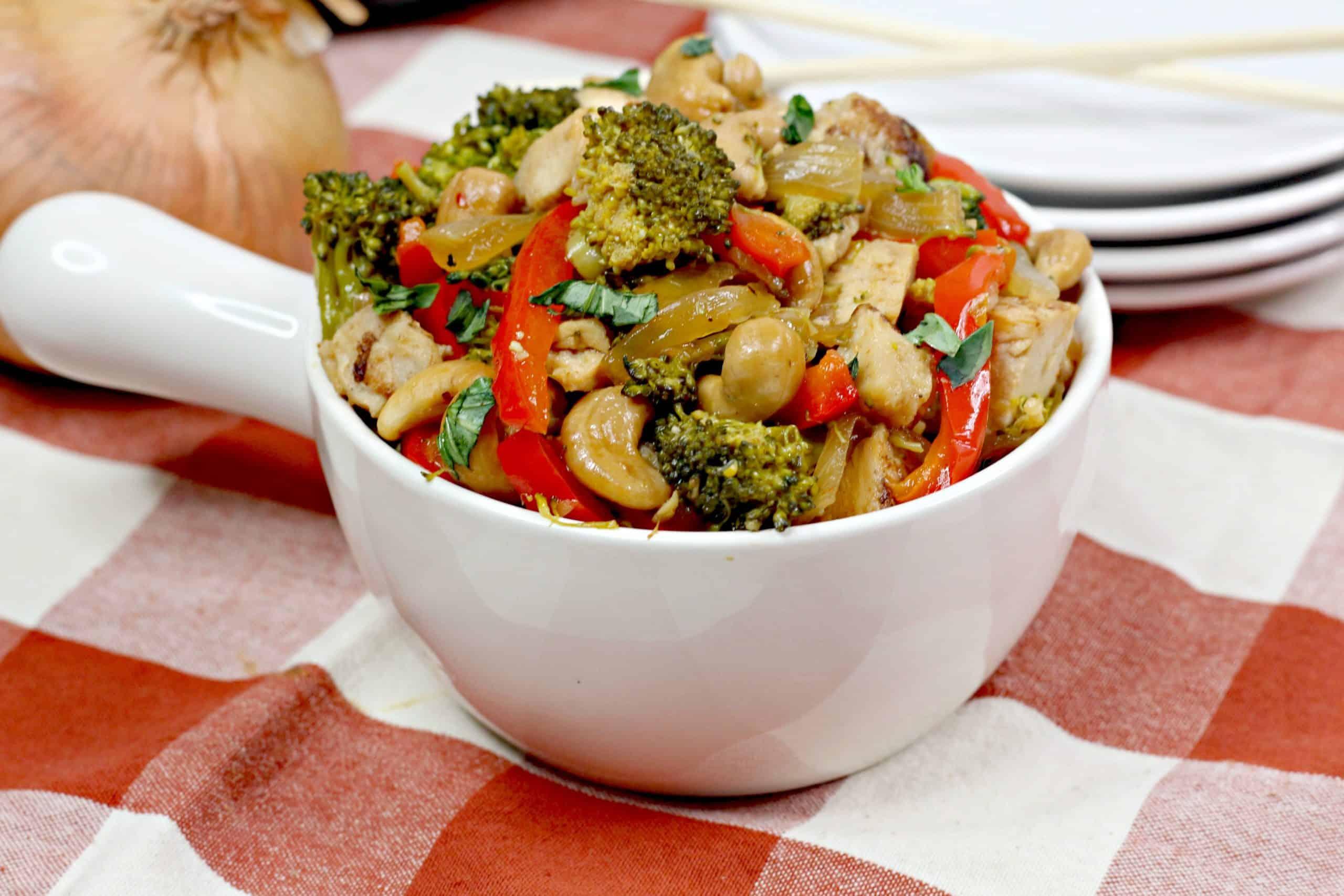 bowl of Thai Cashew Chicken