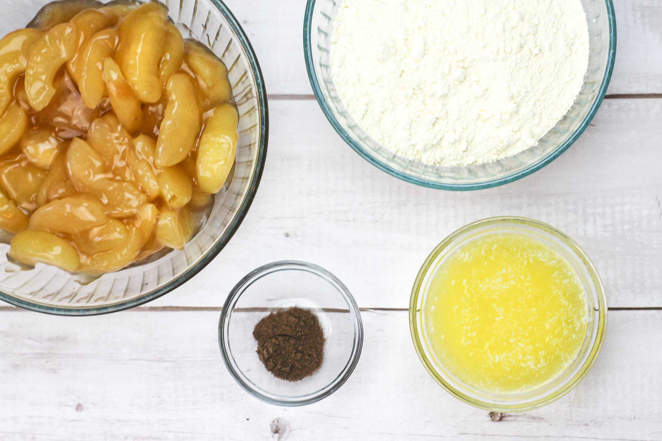 Easy Slow Cooker Apple Dump Cake Ingredients